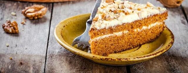 Le gâteau aux carottes au glaçage à moins de 100 calories!